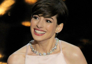 Oscars-2013-Anne-Hathaway-s-Acceptance-Speech-Video