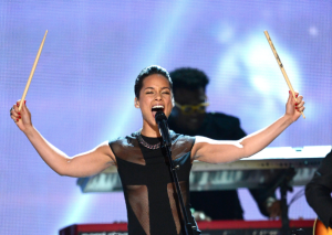 alicia-keys-2013-grammys